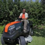 Новый садовый трактор Oleo-Mac с задним выбросом травы